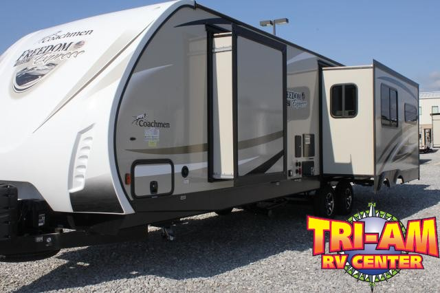 2017 Forest River Freedom Express 322RLDS