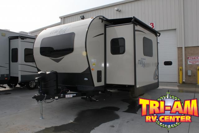2019 FOREST RIVER ROCKWOOD MINI 2506S