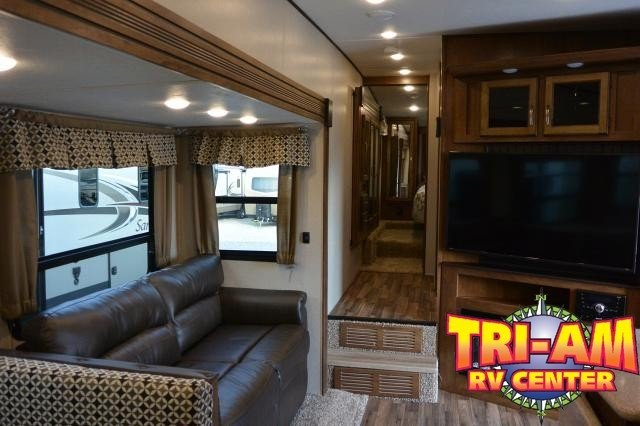 2018 Forest River Chaparral 295BH
